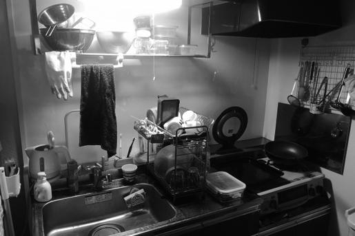 収納場所がなくて台所が狭い